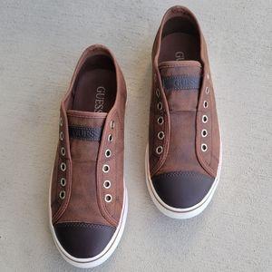 GUESS Men Pair shoes